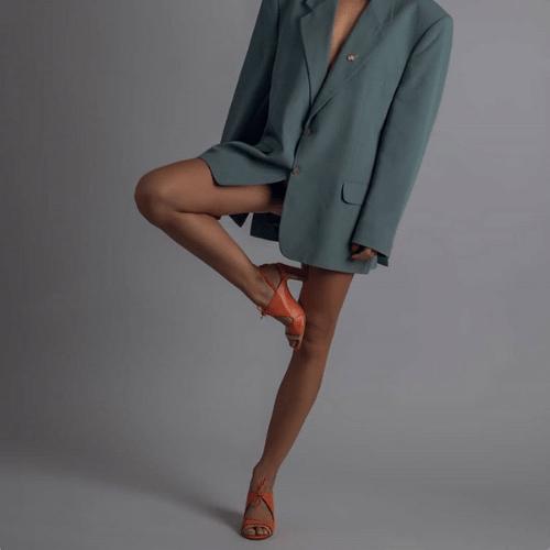 lili orange shoes with coat