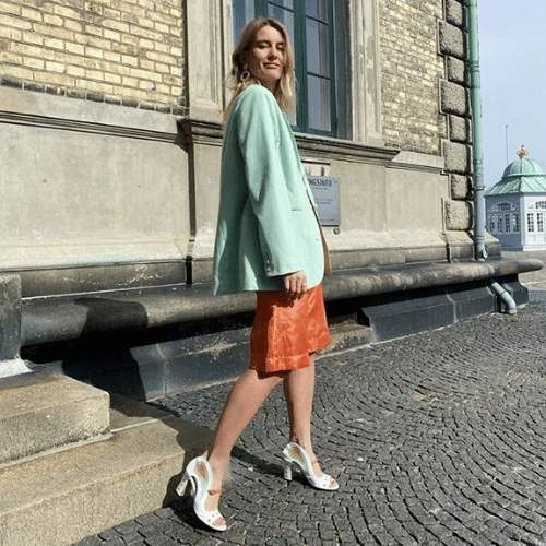 maria shoes with green coat